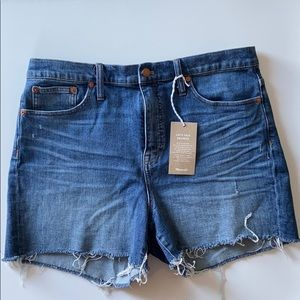 Madewell- High Rise frayed denim shorts